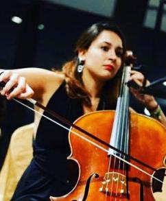 Julia, cello